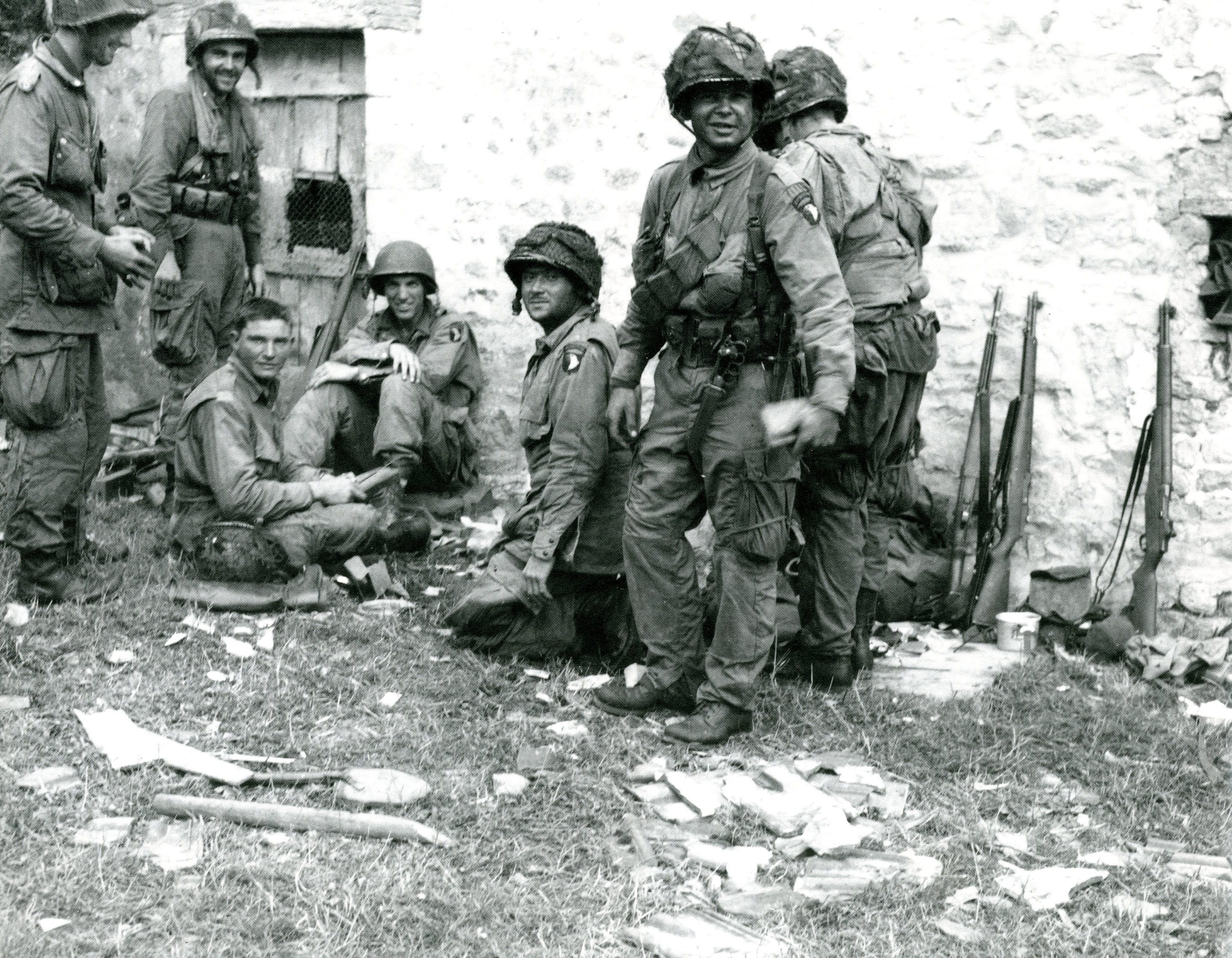 paratroopers of the 501st pir 101st ab airborne museum